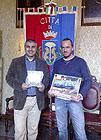 L'Assessore allo sport Gennaro Campanile e il campione di autocross Gianluca Ferretti