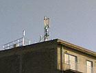 L'antenna posizionata sopra un edificio