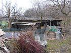 Una delle strutture e degli orti abusivi in via Tevere ora smantellati