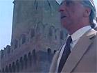"""Una scena del film """"La belva col mitra"""" girato a Senigallia nel 1977: la torre di Ostra"""