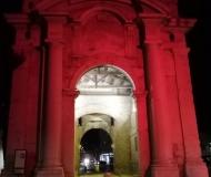 13/05/2020 - La porta rossa