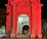 26/05/2021 - Porta rossa