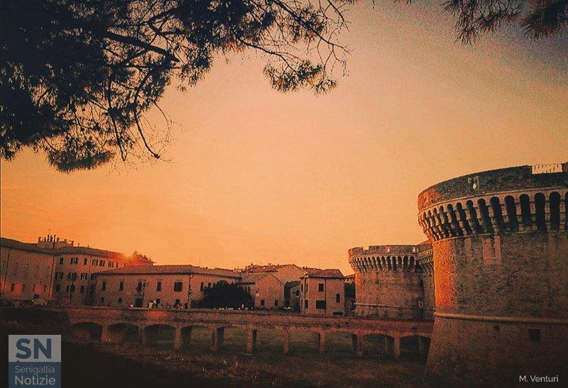 01/10/2020 - Ultimo sole sulla Rocca