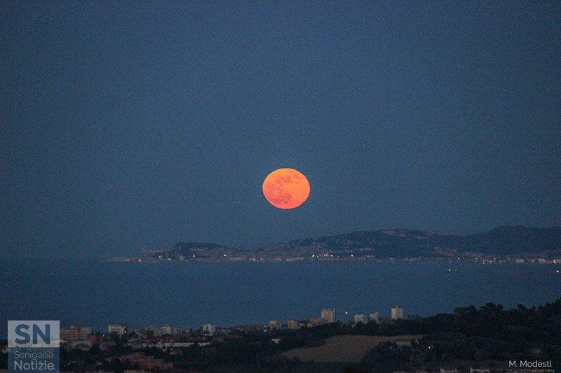 18/10/2020 - Luna estiva