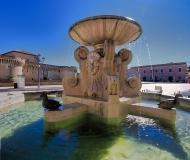 09/10/2020 - La fontana dei leoni