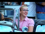 09/08/2013 - Ragazza Jamboree style in auto d\'epoca