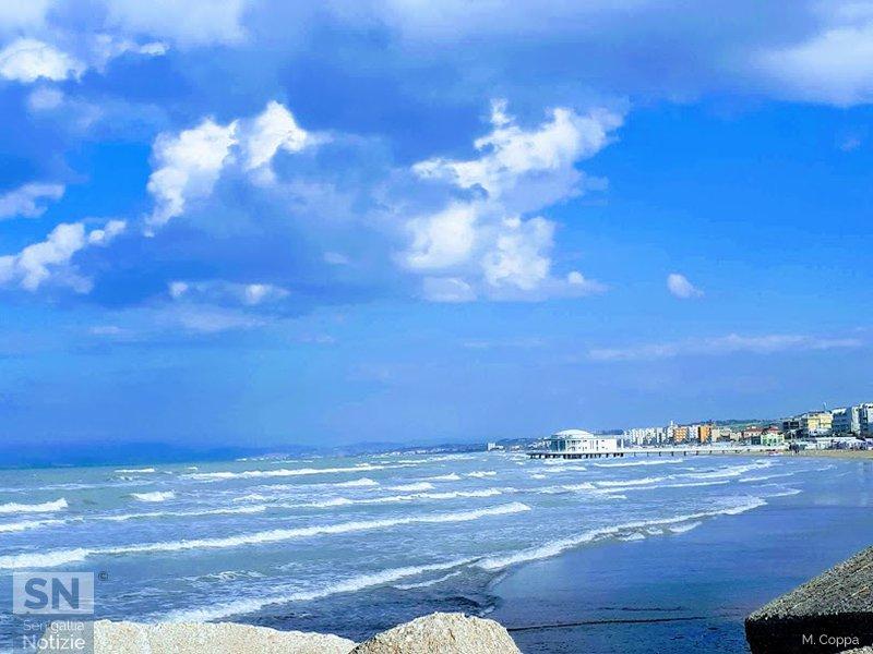 01/08/2019 - Rotonda nell'azzurro