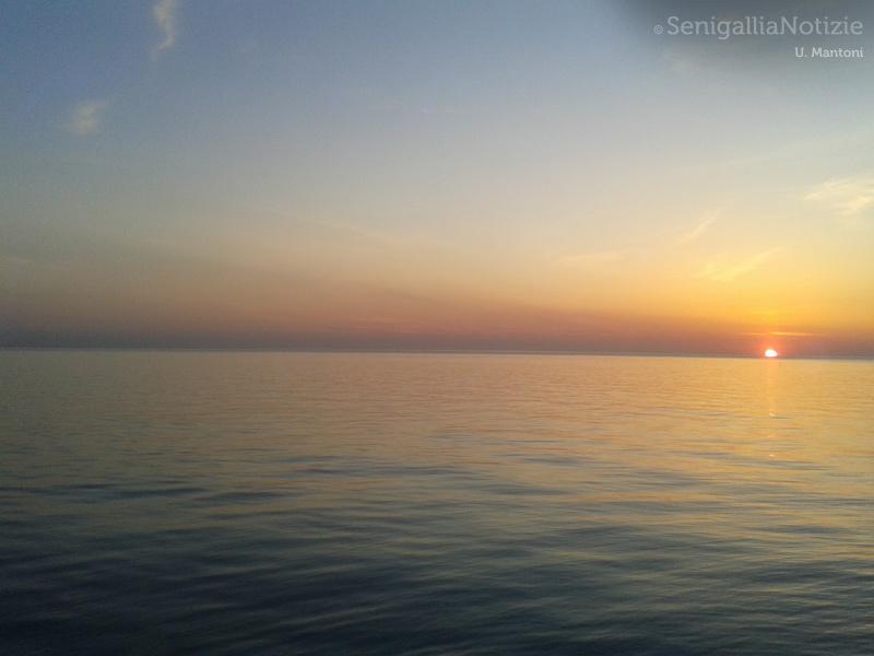 20/04/2015 - Alba sul mare