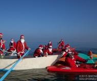 Dal mare al centro di Senigallia: Babbi Natale in SUP