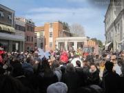 Il colpo d'occhio a piazza Saffi per la sfilata di Carnevale