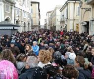Carnevale 2016 a Senigallia: folla in corso 2 Giugno