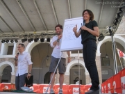 Cinzia Poli e le sue vignette satiriche
