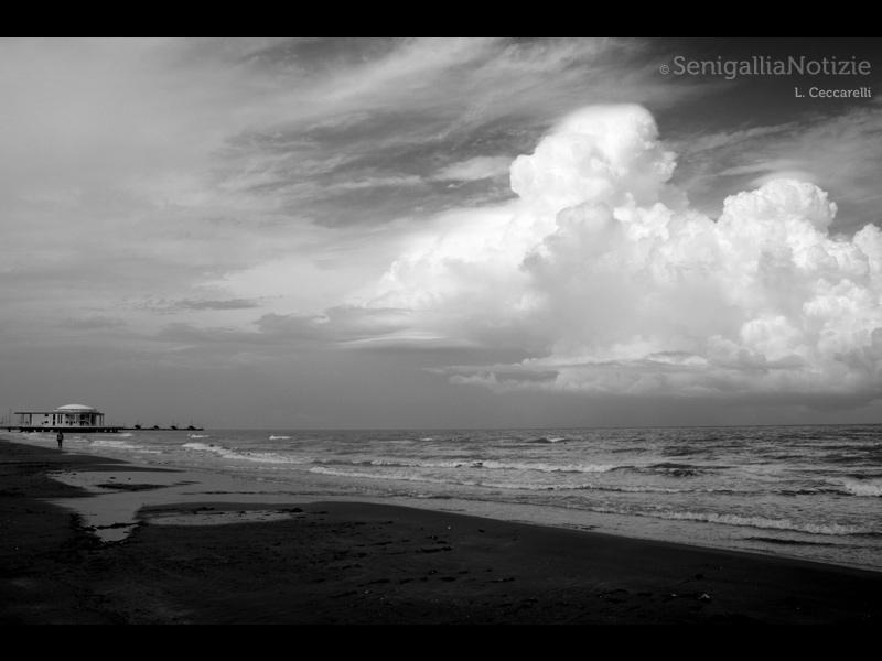 01/12/2014 - Nuvoloni dal mare