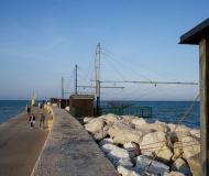 26/02/2020 - Gente al porto