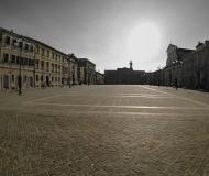 20/01/2017 - Piazza Garibaldi in controluce