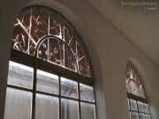 Stato di abbandono nelle stanze di Palazzo Gherardi
