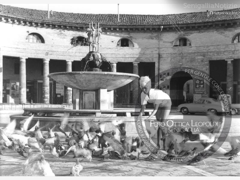Vecchia fontana del Foro Annonario - Leopoldi-1137