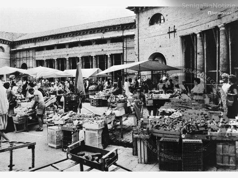 Mercato al Foro Annonario - Leopoldi-1500