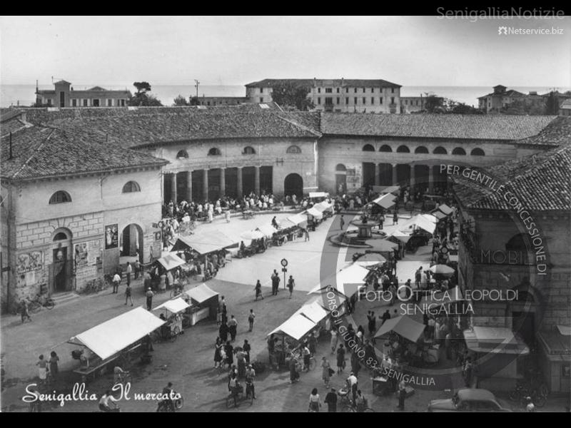 Mercato al Foro Annonario - Leopoldi-1920