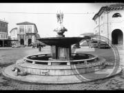 Vecchia fontana del Foro Annonario - Leopoldi-1978