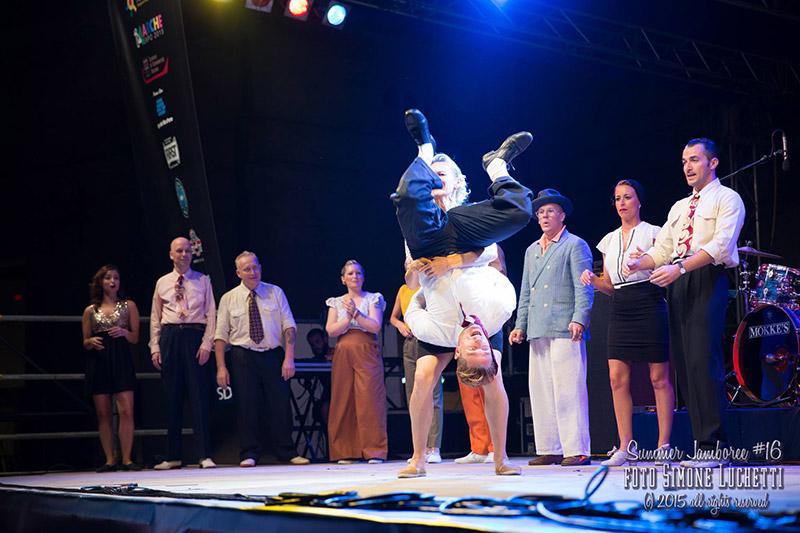 Balli acrobatici al Summer Jamboree 2015