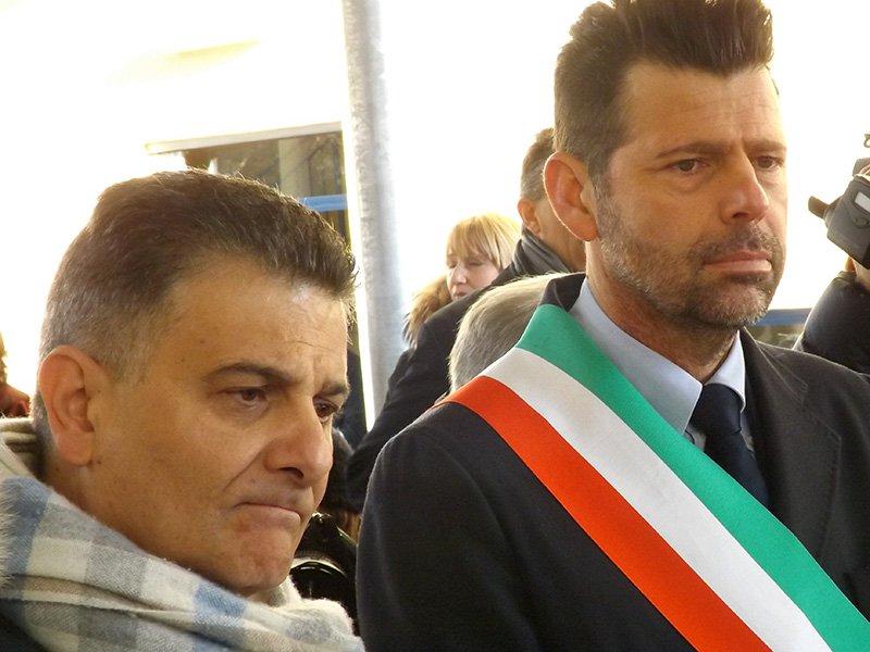 Il sottosegretario all'istruzione Vito de Filippo e il sindaco di Senigallia Mangialardi