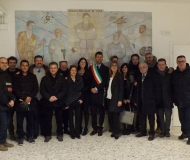 La squadra di maggioranza assieme all'amministrazione comunale