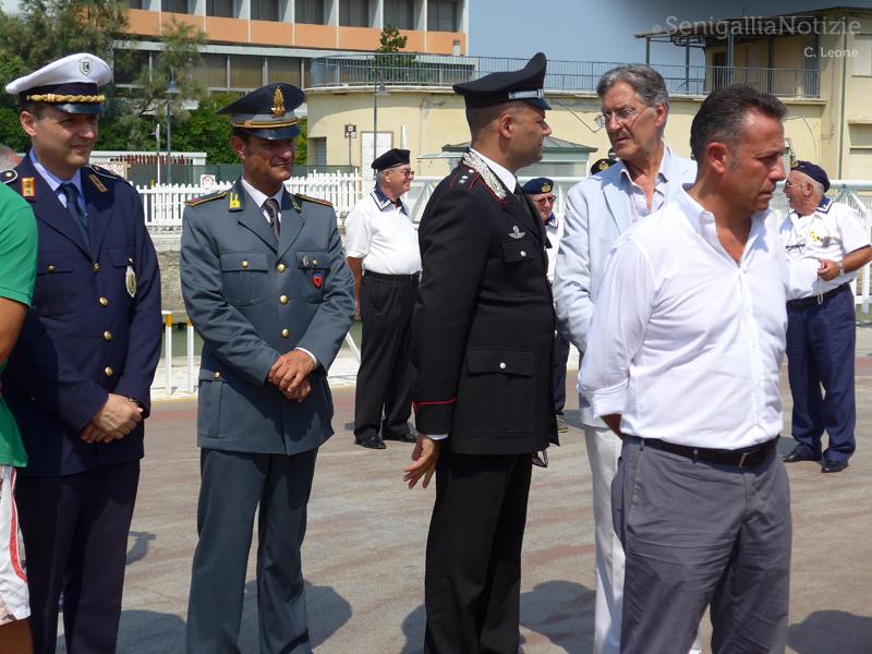 """Autorità civili e militari all'intitolazione della """"Banchina Guardia Costiera"""""""