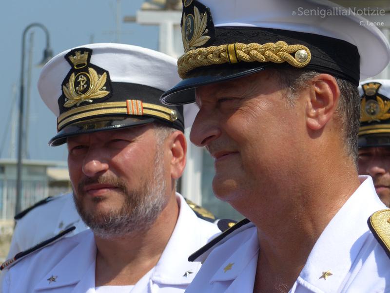 il Comandante della Capitaneria di Porto senigalliese Cristoforo De Giuseppe e il direttore marittimo delle Marche, Contrammiraglio Francesco Saverio Ferrara