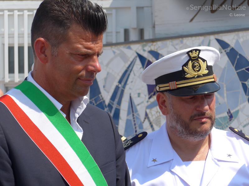 Il sindaco Maurizio Mangialardi e il Comandante della Capitaneria di Porto senigalliese Cristoforo De Giuseppe