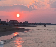 16/07/2018 - Bagno al tramonto