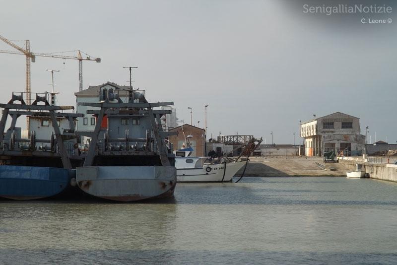 La darsena del porto di Senigallia con le motonavi rimaste
