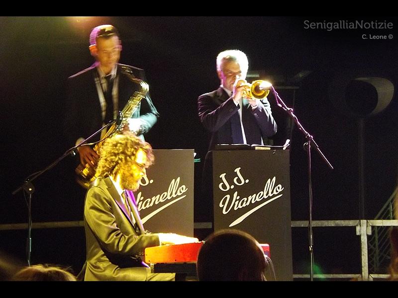 I musicisti del concerto al piazzale della Libertà