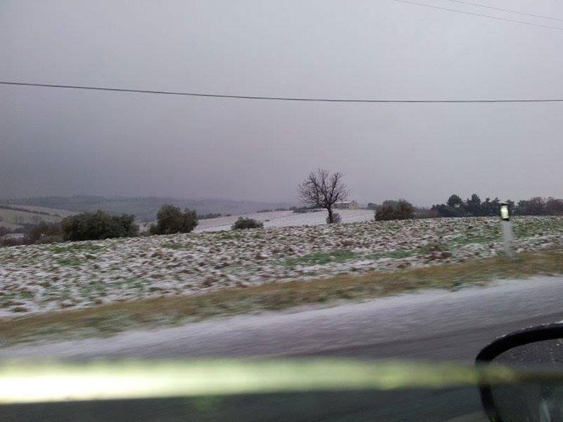 Leggera coltre di neve a San Silvestro di Senigallia