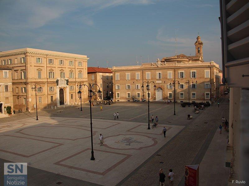 06/10/2019 - Affaccio sulla piazza
