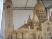 Il Sacro Cuore di Parigi realizzato con le spighe di grano