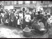 In fila per l acqua - Leopoldi-1049