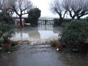 A Marzocca l'acqua si è avvicinata alle case