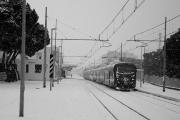 La stazione ferroviaria imbiancata