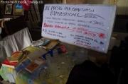 Oggetti sui banchi del Foro Annonario per Senzanbocch