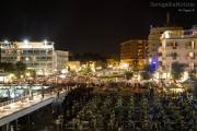 Gente sul lungomare per i fuochi 2013 a Senigallia