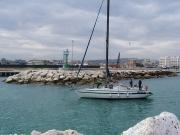 Barche entrano al nuovo porto di Senigallia