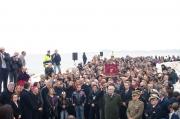 Autorità civili e militari e tanta gente affollano il braccio del porto inaugurato a Senigallia