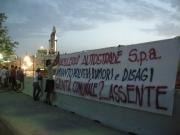 Demolizione cavalcavia, striscione di protesta del CVC