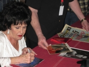 Nel backstage Wanda Jackson ha firmato autografi ai suoi fan