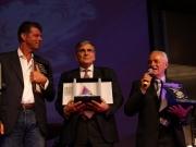 Maurizio Mangialardi e sindaci con doni per Senigallia