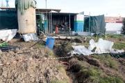 Il retro dell\'impianto del metano, reso pericoloso per lo scoppio di una bombola