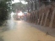 Acqua e fango in via del Camposanto Vecchio