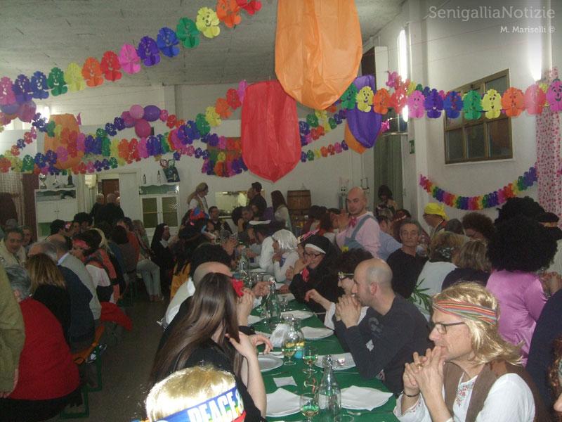 Festa di Carnevale a tema anni '70 a Senigallia