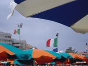 07/09/2010 - Ombrelloni in spiaggia a Senigallia
